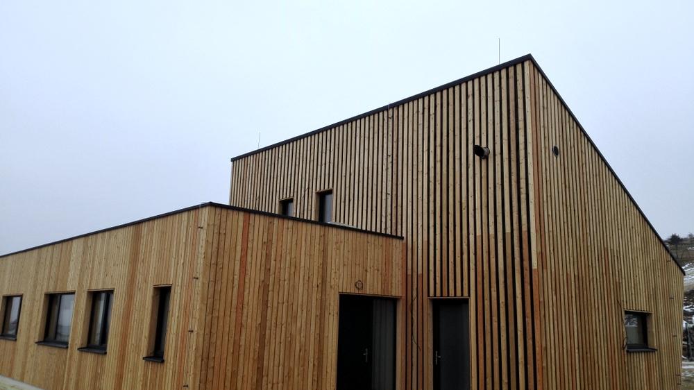nizkoenergeticky-pasivny-dom-drevena-fasada